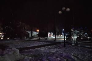 В Брянске сквер у памятника летчикам погрузился во мрак