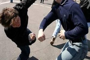 В Новозыбкове молодежь устроила драку в детском сквере