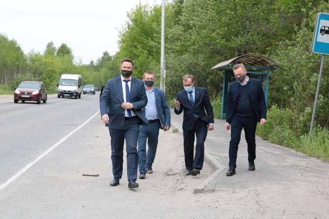 В Бежице мэр Брянска Макаров проинспектировал ремонт дорог