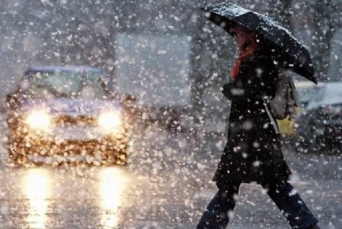 Брянцам в субботу обещают мокрый снег и дождь