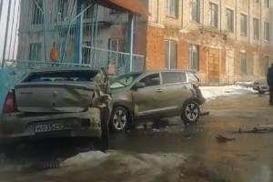 В Клинцах две легковушки попали в серьезное ДТП