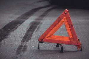 Брянский дальнобойщик попал в страшное ДТП под Псковом