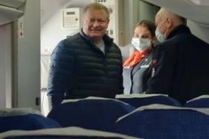 Брянский чиновник Лучкин зашел без маски в самолет «Азимута» до Ростова-на-Дону