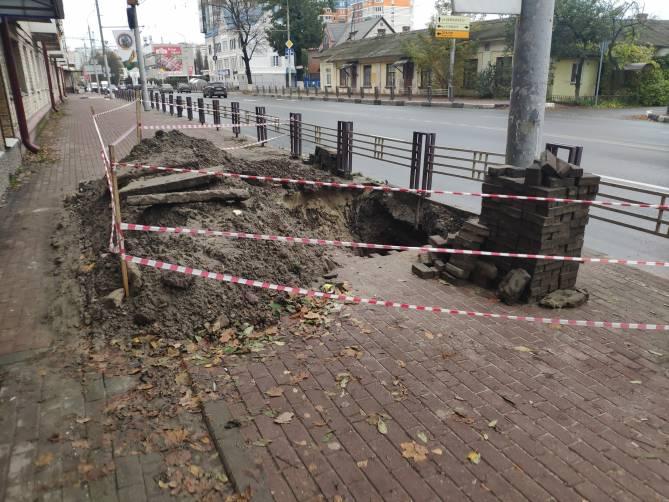 В Брянске устроили грандиозные раскопки на улице Дуки