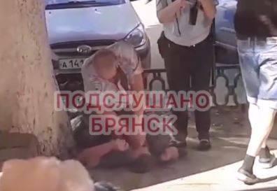В Брянске задержали напавших на полицейского мужчин