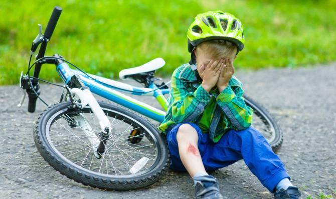 В Гордеевке ребенок упал с велосипеда на металлические штыри
