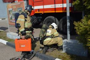 Брянские росгвардейцы провели пожарно-спасательные учения