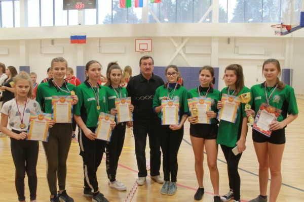 В Клинцах состоялся рождественский турнир по мини-лапте