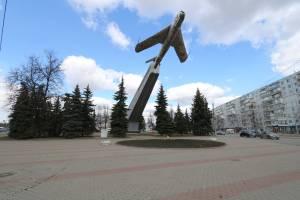 В Брянске представили проект благоустройства сквера у памятника летчикам
