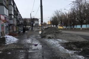 «Бедная Бежица»: улицы района утонули в грязи и лужах
