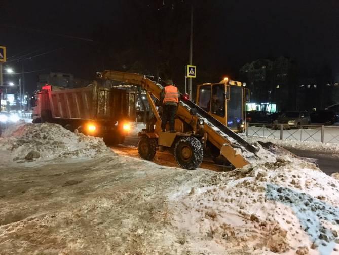 Из Брянска за две недели вывезли 51 000 тонн снега