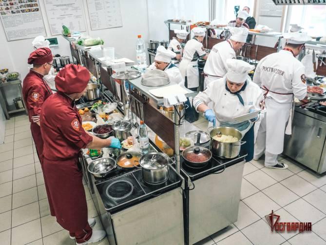 Брянские повара Росгвардии стали третьими на профессиональном конкурсе