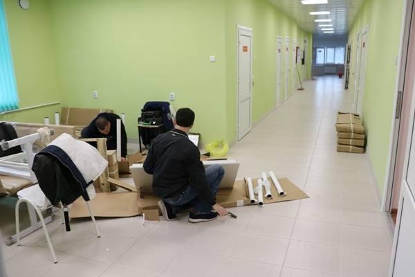 В обновленных отделениях Стародубской ЦРБ установили новую мебель