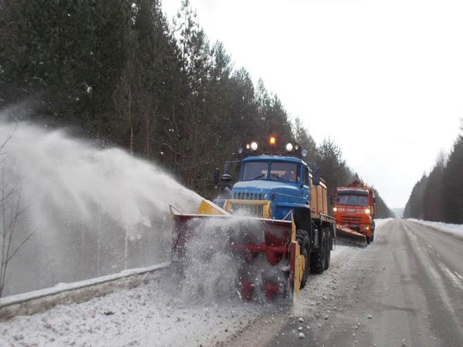 Бороться со снегом на дорогах Брянщины будут 77 патрульных отрядов