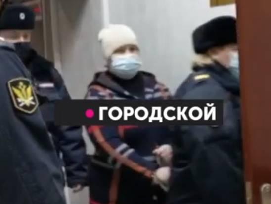 В Брянске начался суд над опекуном истощенной девочки