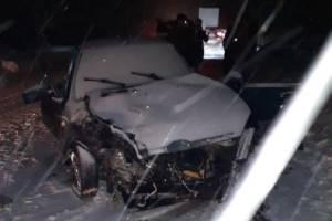 На брянской трассе 20-летний водитель ВАЗ устроил лобовое ДТП: ранены 2 человека
