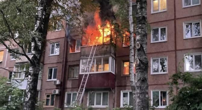 Брянцы собирают деньги для детей сгоревшей на проспекте Ленина женщины