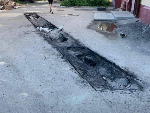 В Брянске дворы в центре города рискуют уйти под землю
