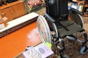 Тяжелобольному мальчику из Клетни подарили кресло-коляску