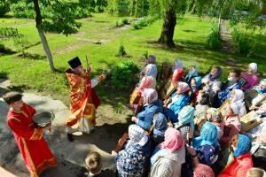 Брянский храм в поселке Отрадное престольный праздник отметил крестным ходом