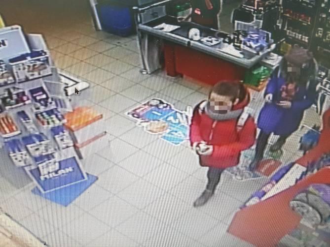 В Брянске в краже из магазина обвинили двух девочек