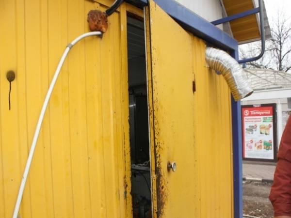 В Унече из павильона на рынке двое парней украли продуктов на 36 тысяч рублей