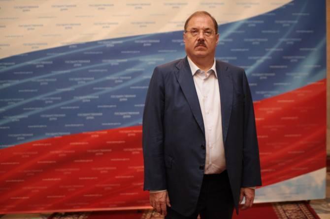 Брянский депутат поздравил россиян с Днём физкультурника