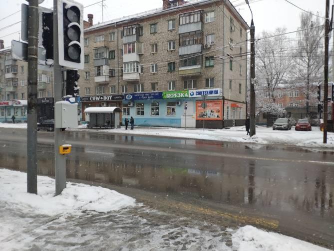 В Брянске центр Бежицы превратился в лес из светофоров