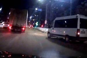 В Брянске на Авиационной автомобилиста взбесил водитель маршрутки