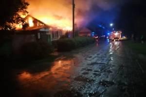 В Климово сгорел частный дом после удара молнии