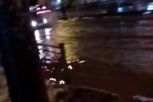 В Брянске снова утонул пешеходный переход на Московском проспекте