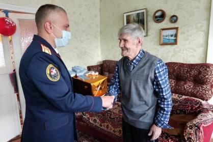 В Суземке ветерану войны Анатолию Сотникову исполнилось 100 лет