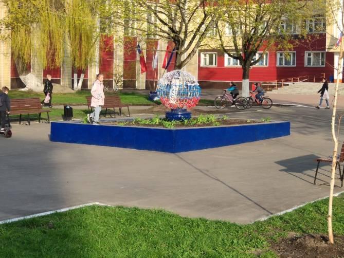 Возле брянского ДК Кравцова фонтан превратили в клумбу