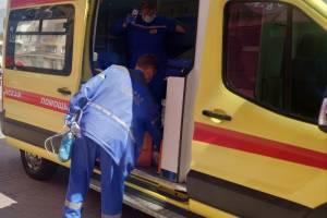 Пожилой пациент изрезал ножом врача в ковидном госпитале