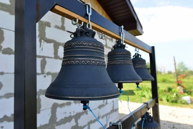 В Брянске освятили колокола храма на старом аэропорту