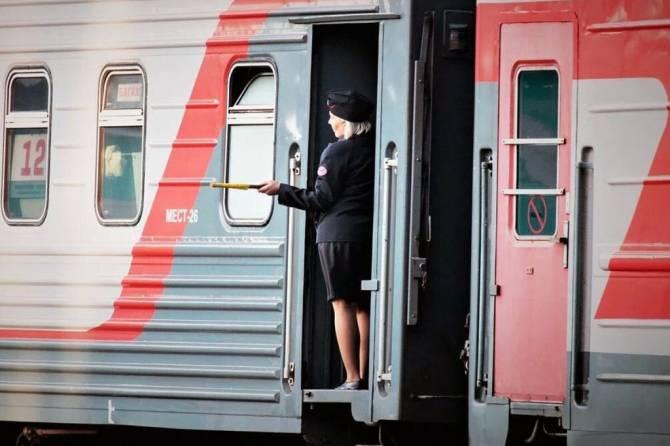 В поезде Москва-Климово пассажир украл мобильник у проводника