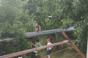В Новозыбкове дети устроили опасные игры на теплотрассе
