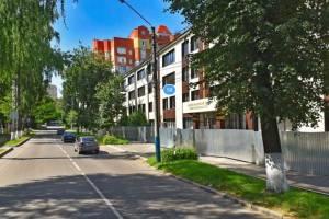 В Брянске на улице Горького срубят 9 аварийных деревьев