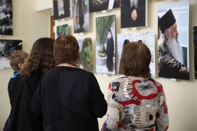 В Клинцах открылась фотовыставка «Наш Афон»