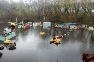 В Брянске ушла под воду стройплощадка у Литейного моста