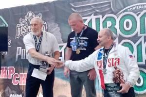 Брянский пауэрлифтер завоевал серебро и бронзу на чемпионате Европы