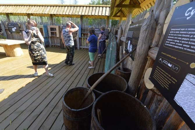 Жители Суземского района пополнили экспозицию музея дерева «Брянского леса»