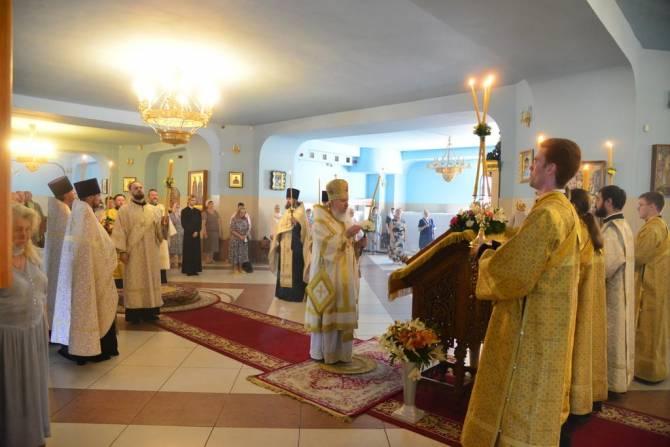 В Брянске митрополит Александр совершил всенощное бдение в Кафедральном соборе