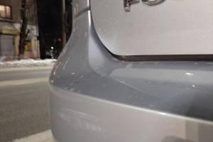 В Брянске неизвестный водитель повредил чужое авто и скрылся