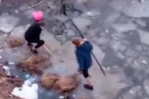В Сельцо подростки устроили опасные игры на тонком льду