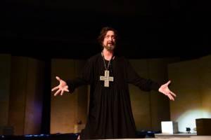 Что посмотреть в апреле в Брянском драмтеатре?