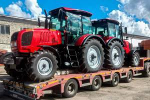 Брянская лесопожарная служба получила два новых трактора