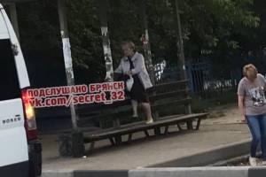 В Брянске пенсионерку обвинили в неподобающем поведении