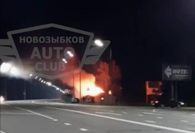 Под Новозыбковом загорелось придорожное кафе