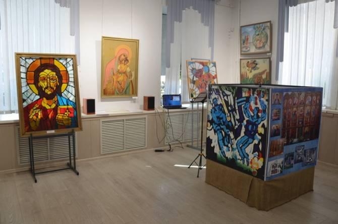 Память бывшего главного художника Брянска почтили выставкой